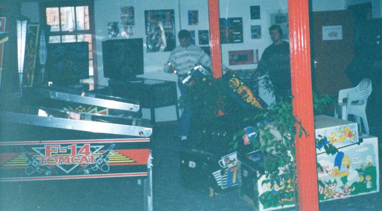 1995 - Inrichten nieuwe showroom boven Wolweze